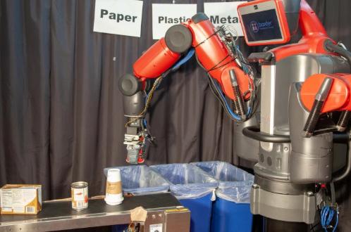 Ρομπότ ανακύκλωσης ταξινομεί και ξεχωρίζει τα υλικά με την αφή