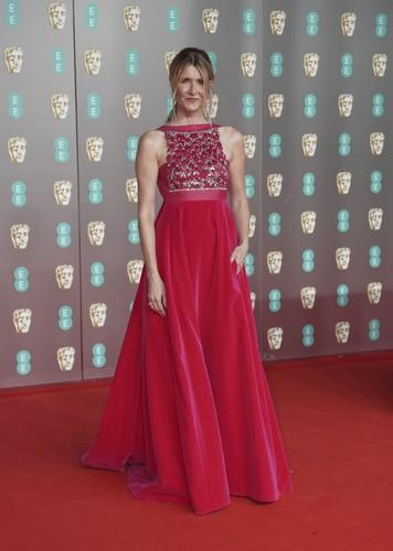 BAFTA 2020: Δείτε τις εμφανίσεις από το κόκκινο χαλί των βραβείων