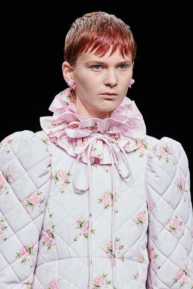 Οι πιο weird τάσεις ομορφιάς μέσα από τον οίκο Balenciaga
