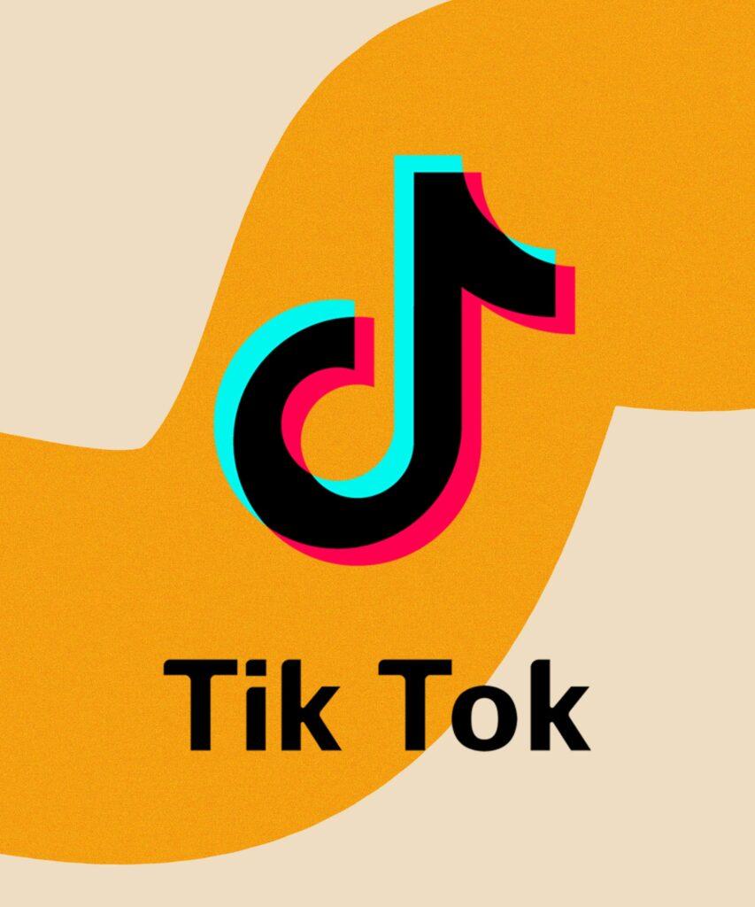 Οι top 5 Fashion Tik Tokers που πρέπει να κάνεις follow