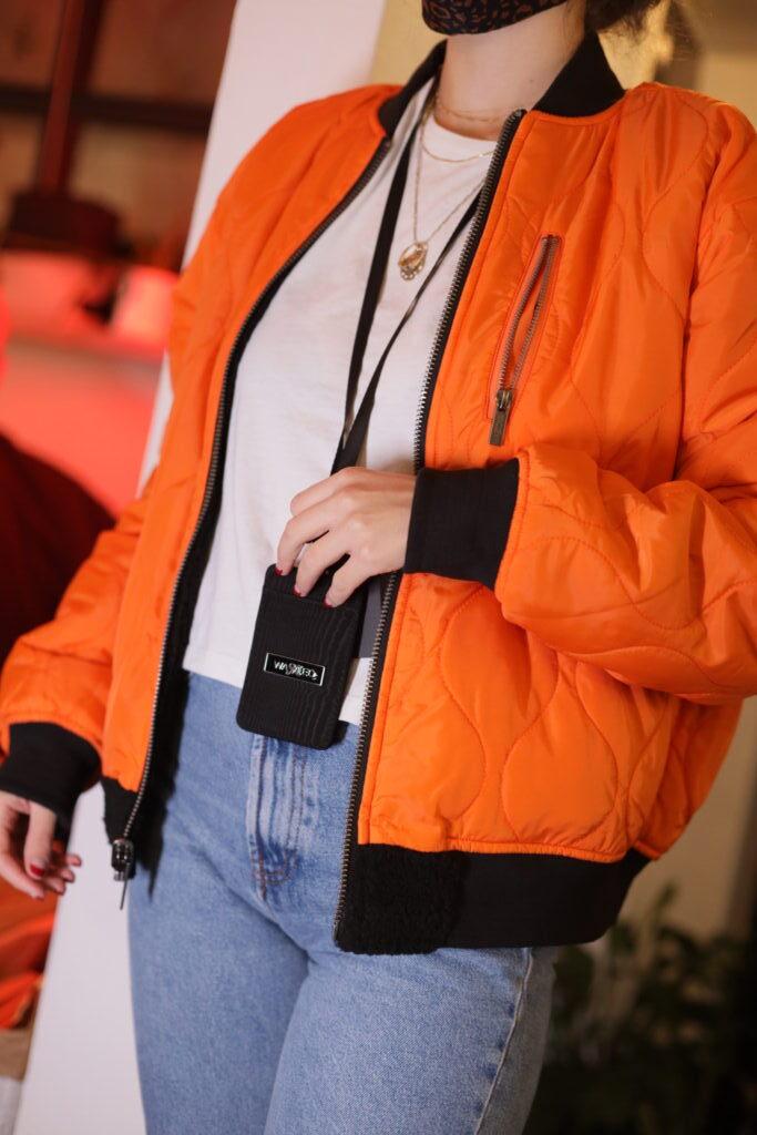 3 + 1 τρόποι να φορέσεις κομψά το puffer jacket σου