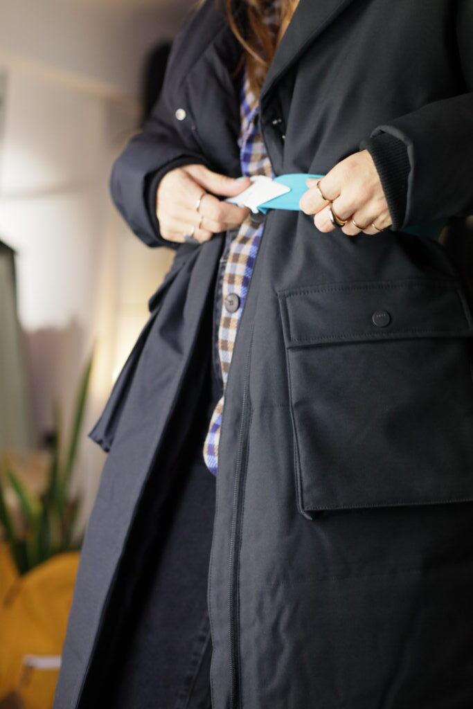 FLUFFY COAT: Αυτό είναι το πιο ελαφρύ μπουφάν που θα φορέσεις