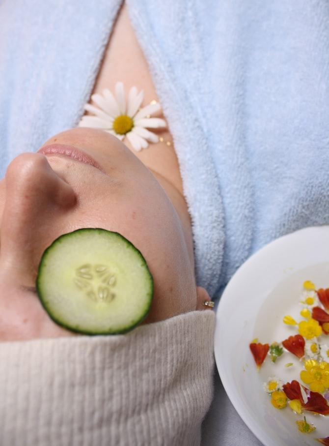 4 tips για λαμπερό δέρμα τον χειμώνα
