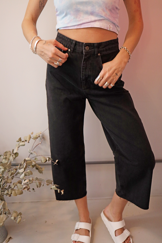 Jeans: Πώς να συνδυάσετε το πιο ευκολοφόρετο κομμάτι