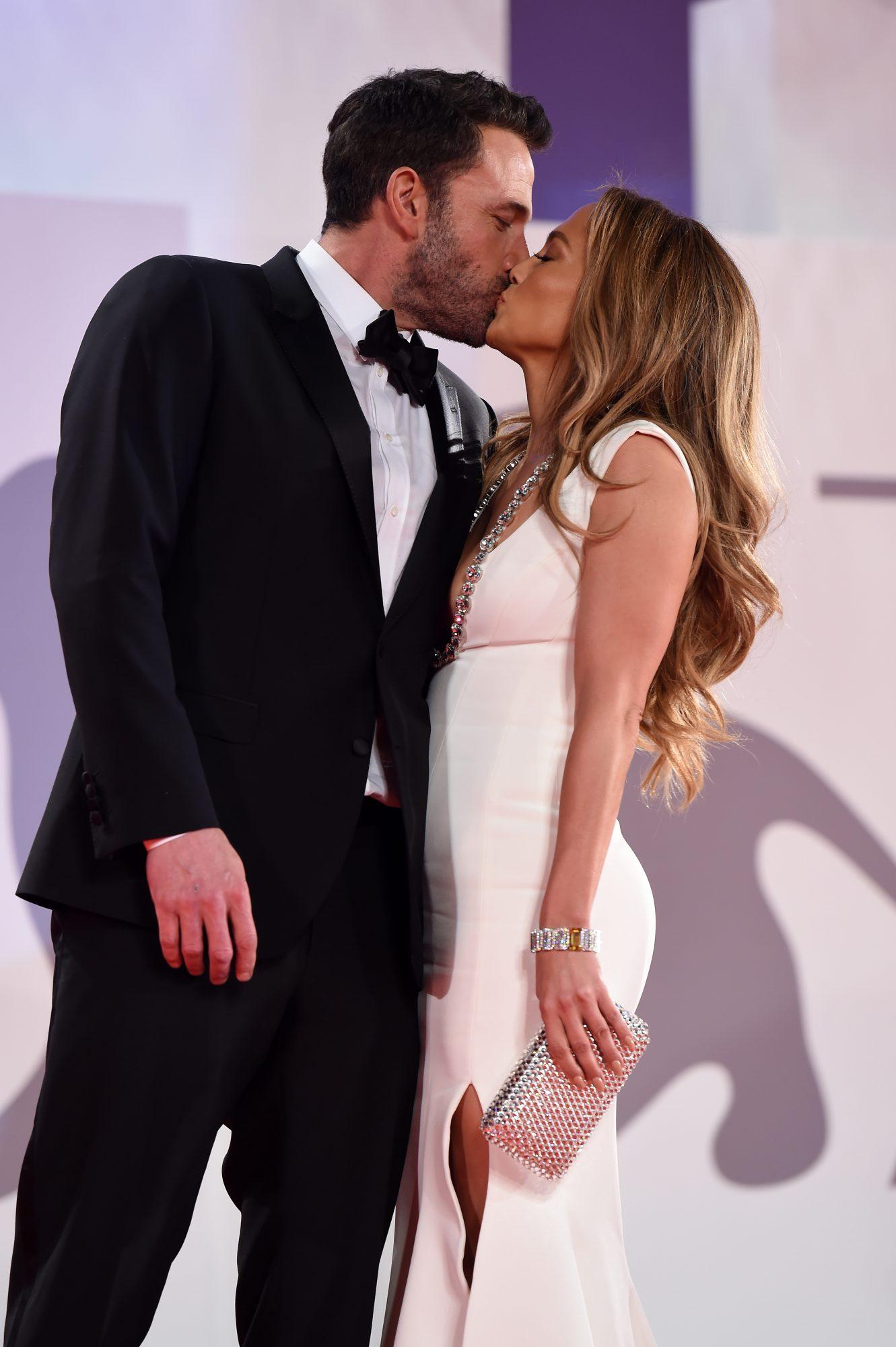 Bennifer: Έφτασαν στη Βενετία και έγιναν επισήμως το πιο iconic ζευγάρι